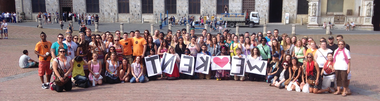 A group of 肯特 State students express their delight during a study abroad semester in Florence.